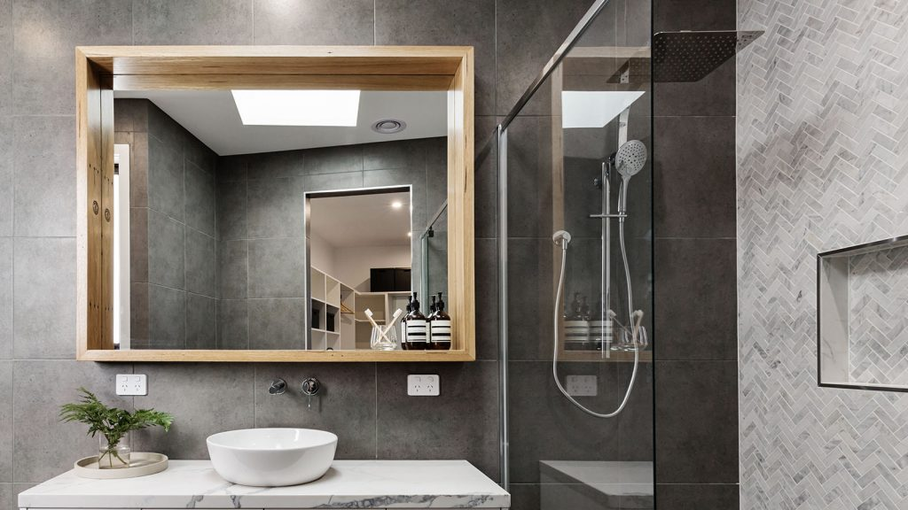 ceramic-coating-for-bathrooms-mirrors-and-windows---seaboard-surface-solutions